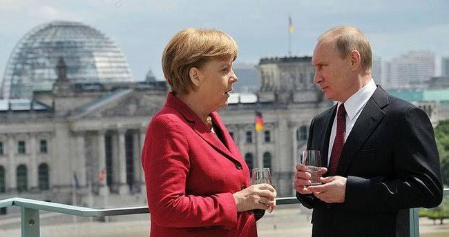 Putin ve Merkel'den İdlib görüşmesi