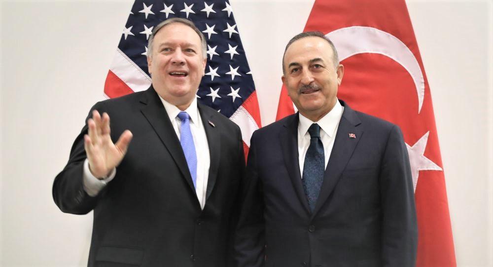 Çavuşoğlu ve Pompeo, NATO toplantısında görüştü