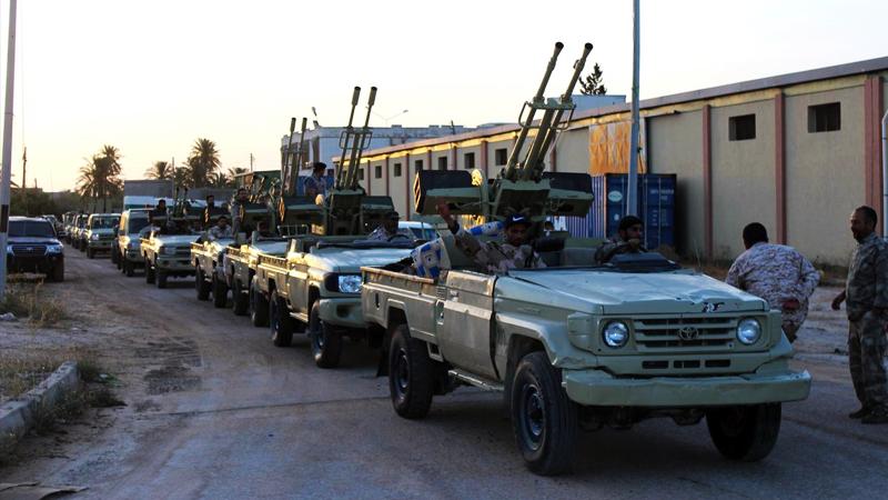 Hafter Trablus'a doğru ilerliyor: Sahil kentini ele geçirdi