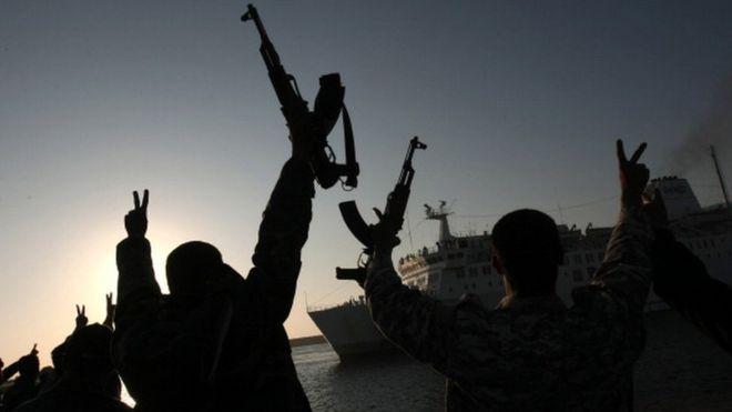 Çarpıcı iddia: Türkiye maaş ile ÖSO üyelerini Libya'ya gönderiyor