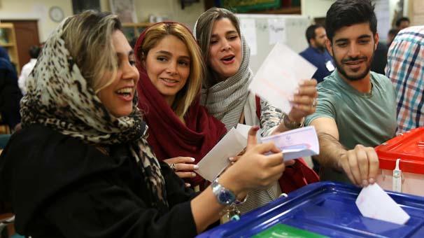İran ve Rojhilat'da Parlamento seçimleri için oy verme işlemi başladı