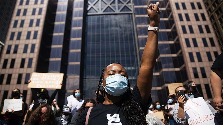 NYT: Protestocular arasında virüse yakalananlar var